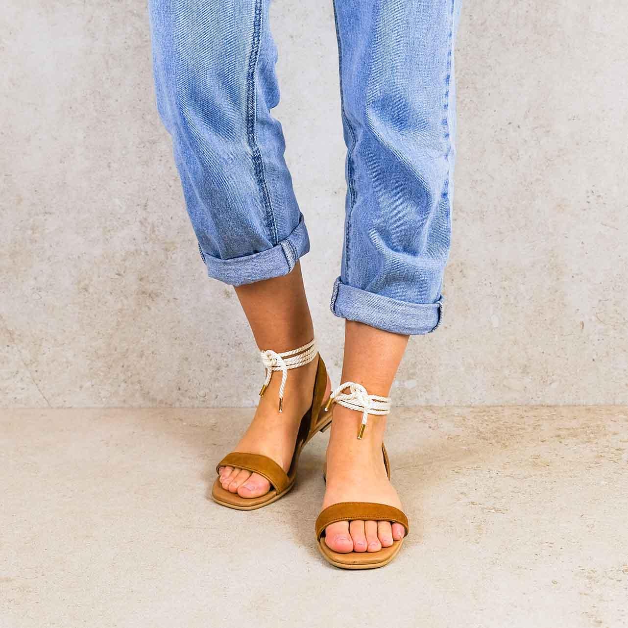 Candela-camel_lintsandalen sandals travelsandals vegan sustainable sandals wikkelsandalen