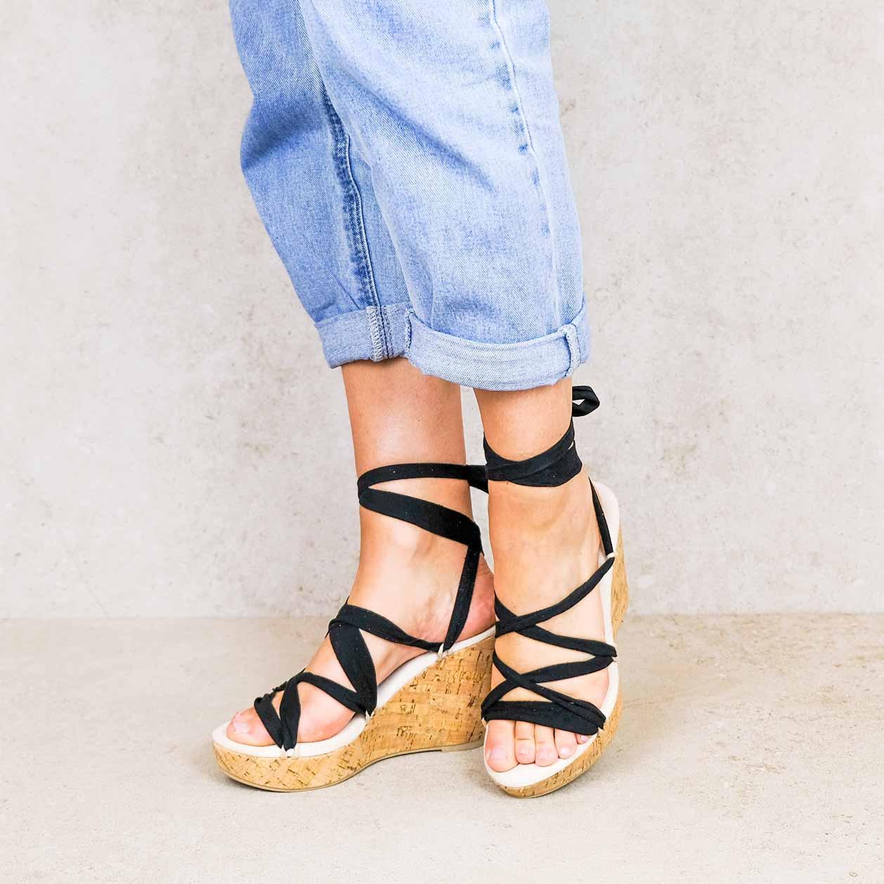Chilon-cork-2_ lintsandalen sandals travelsandals vegan sustainable sandals wikkelsandalen