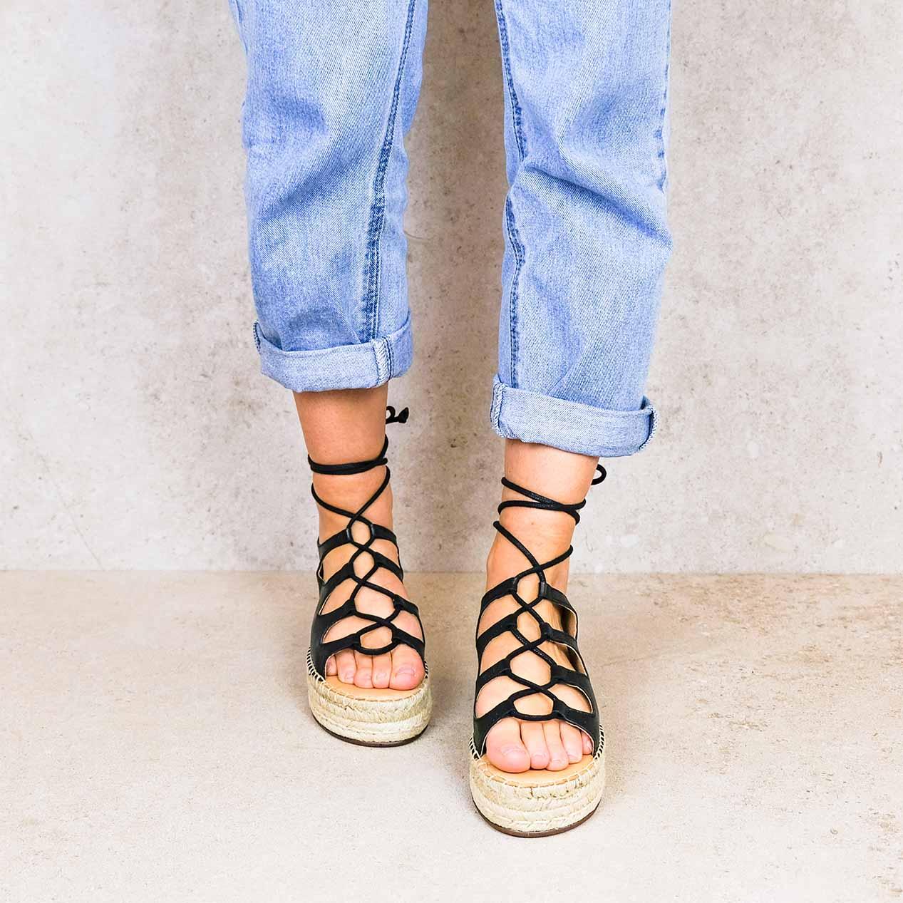 Rafa-black_lintsandalen sandals travelsandals vegan sustainable sandals wikkelsandalen