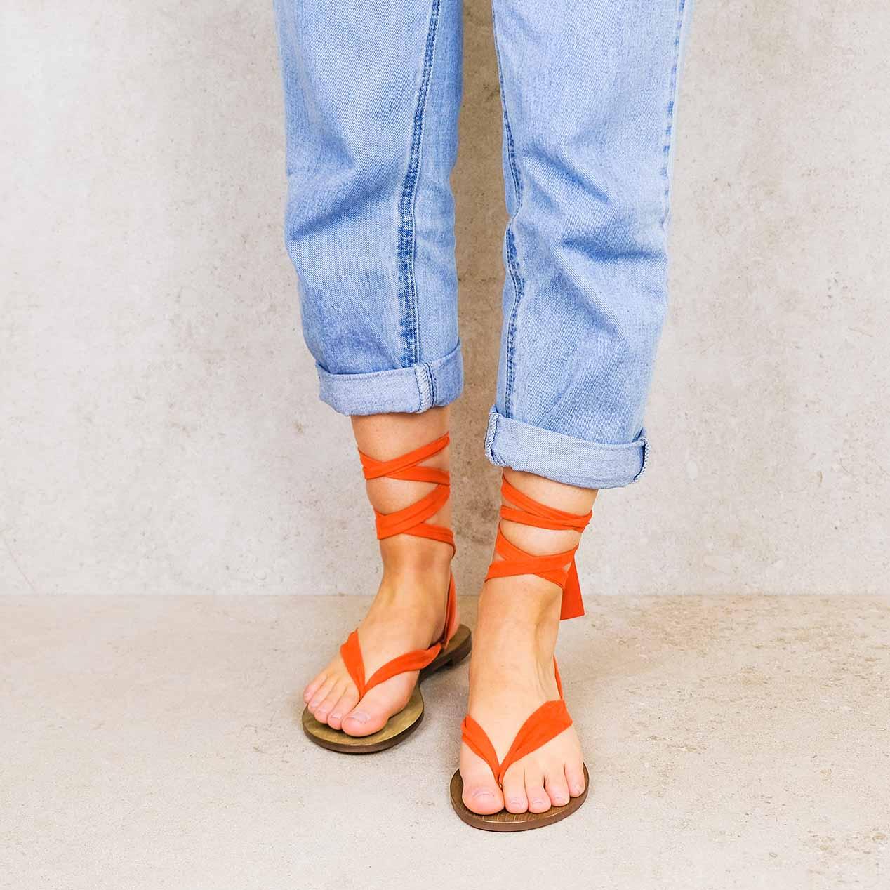 Raramuri-orange_suede ribbons linten lintsandalen sandals travelsandals vegan sustainable sandals wikkelsandalen