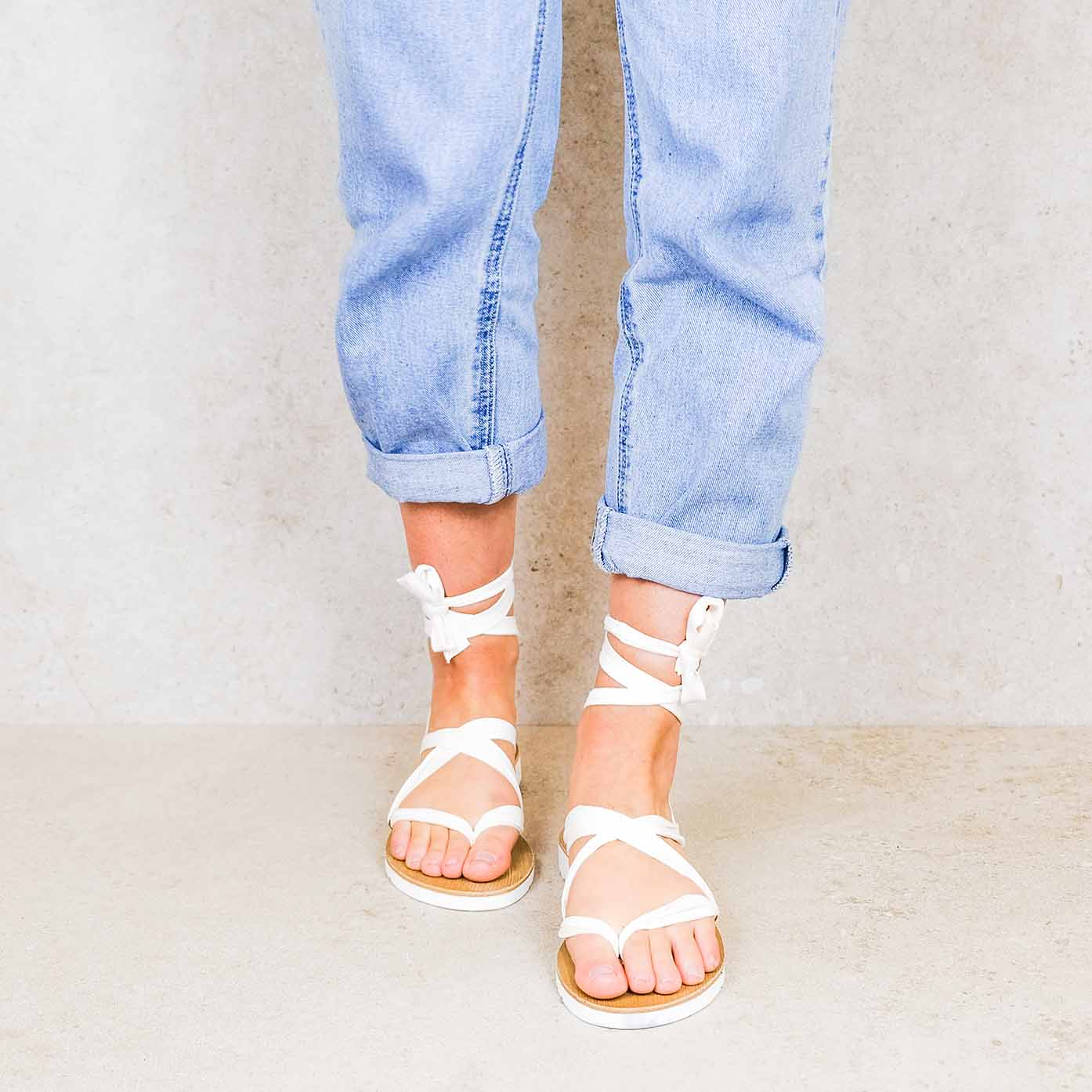 Snow-white_suede ribbons linten lintsandalen sandals travelsandals vegan sustainable sandals wikkelsandalen