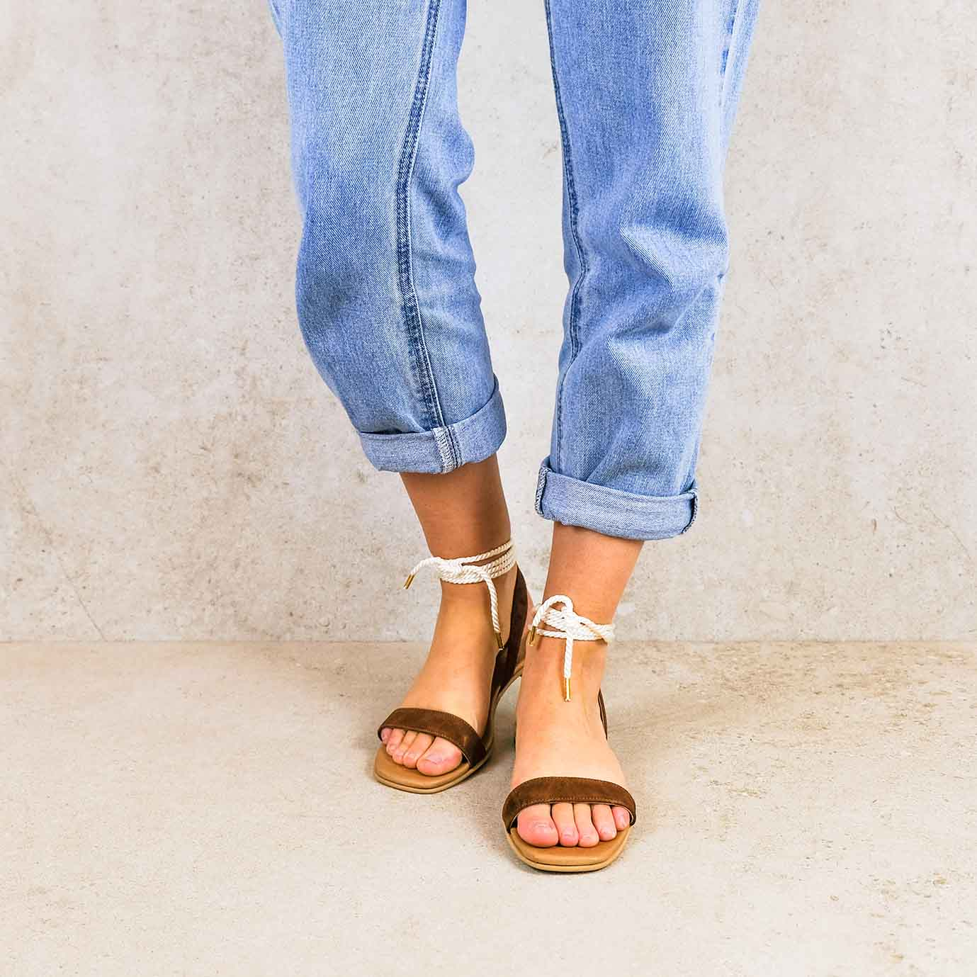 candela-brown_lintsandalen sandals travelsandals vegan sustainable sandals wikkelsandalen